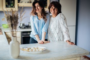 two-women-in-the-kitchen-3893730
